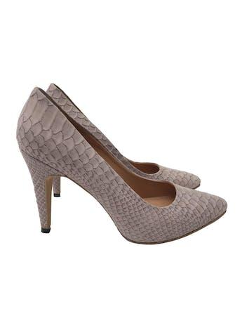 Zapatos stilettos HUMA BLANCO de cuero lila con textura pitón, taco 9cm. HERMOSOS Y EN EXCELENTE ESTADO 9/10. Precio original S/ 880 foto 1