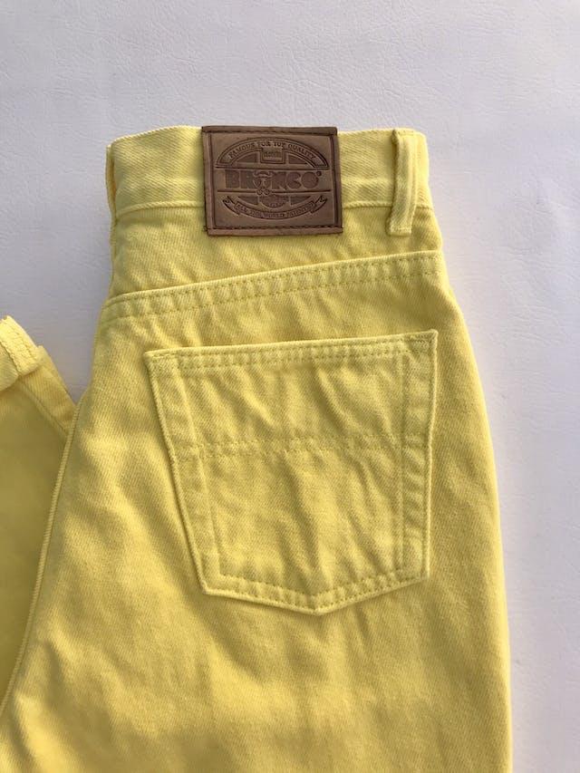 Mom jean Bronco vintage, a la cintura, 100% algodón amarillo, denim grueso,  5 bolsillos, cierre y botón metálico. ¡Super cool! Estado 8.5/10 Talla 28 foto 3