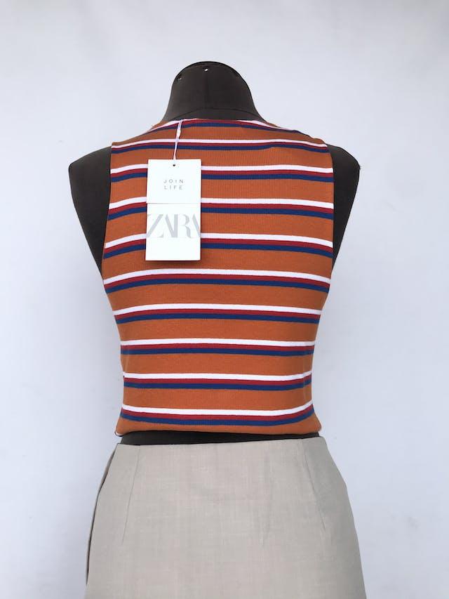 Top Zara naranja con rayas blancas y azules, textura acanalada, 95% algodón ecológico. Nuevo con etiqueta S/ 69 Talla M foto 2