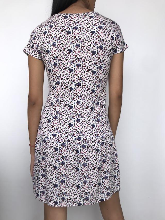 Vestido Navigata con estampado floreado y tul bordado en el cuello Talla M foto 2