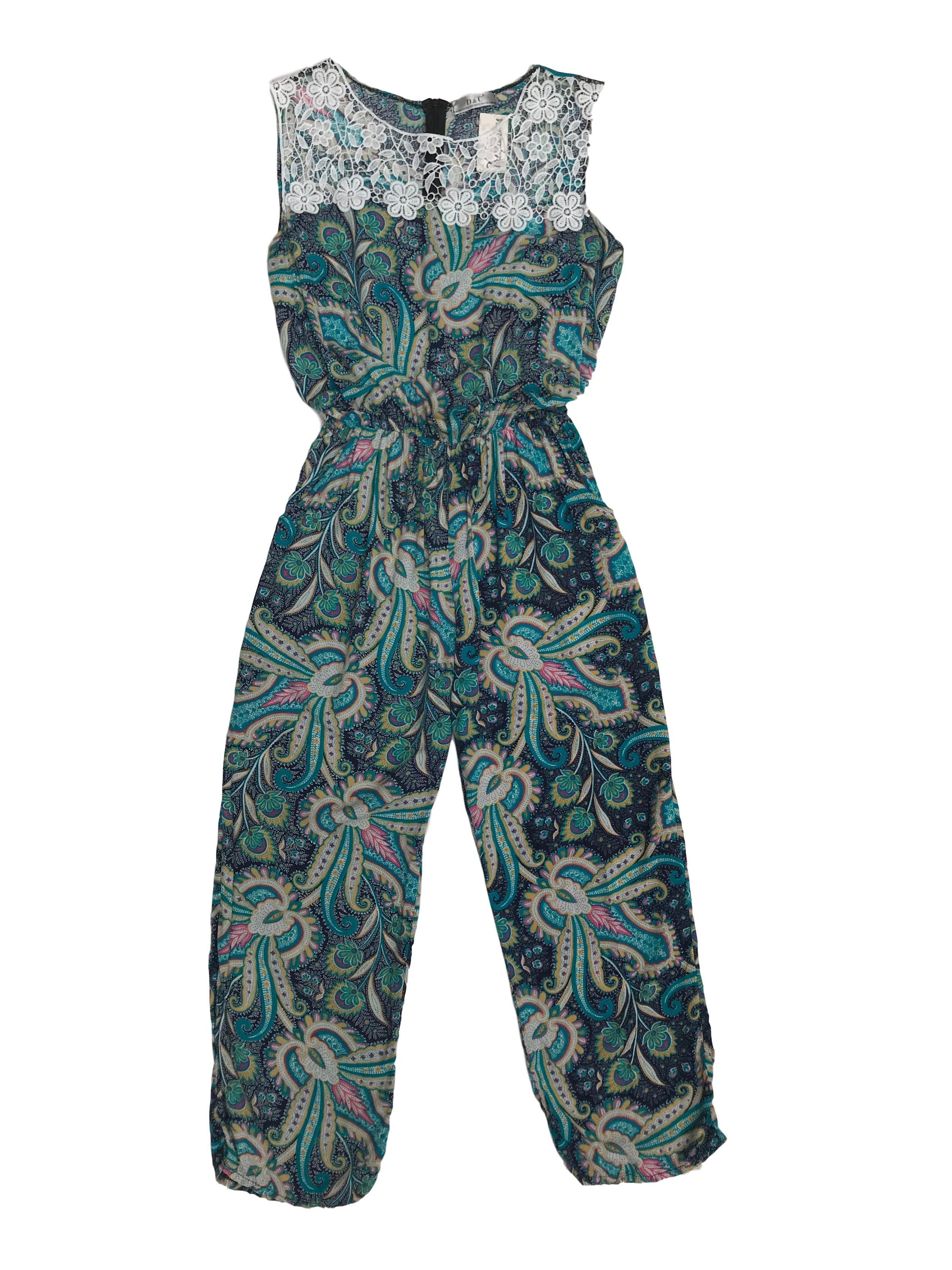 Enterizo pantalón turquesa con estampado paisley, tela tipo chalis, encaje en el pecho, cierre posterior, elástico con la cintura y bolsillos laterales