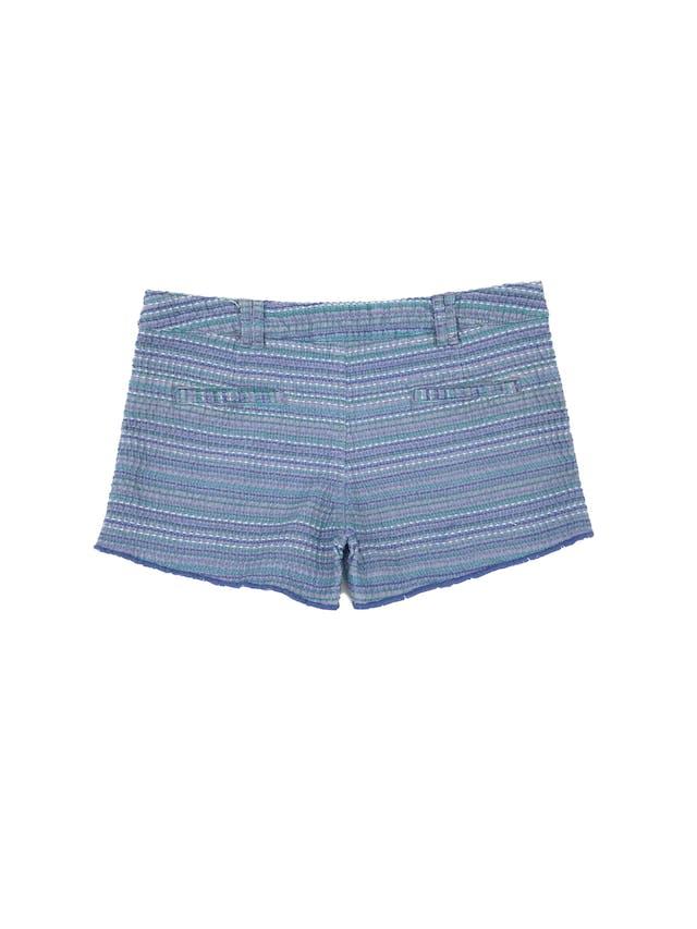 Short RKF tela tipo tweed en tonos azules, bolsillos delanteros y posteriores. Precio original S/ 180 Talla 30 foto 2