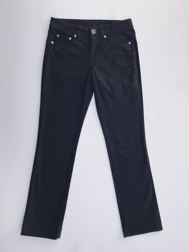 Pantalón Benetton azul 98% algodón ligeramente stretch tipo drill, 5 bolsillos, corte pitillo. Precio original S/ 250 Talla 27 foto 1