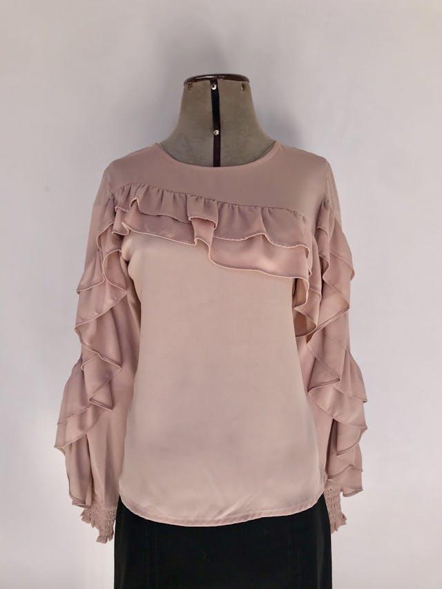 Blusa Coco Jolie de gasa palo rosa, manga larga con volantes y panal de abeja en los puños. Precio original S/150 Talla S foto 1