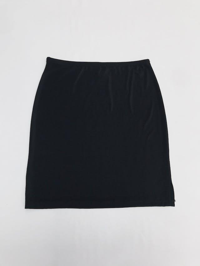 Falda negra stretch con textura de hilo. Largo 48cm Talla S/M foto 1