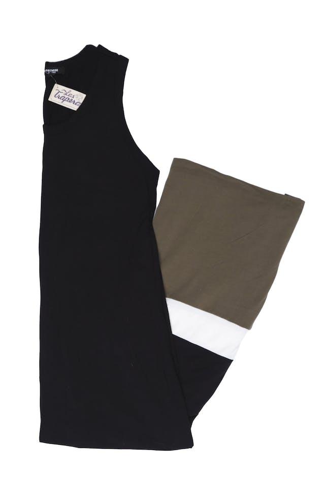 Maxi vestido Premise tela tipo algodón stretch negro con basta blanca y verde olivo. Busto 100cm y cede. Precio original S/ 240 foto 1