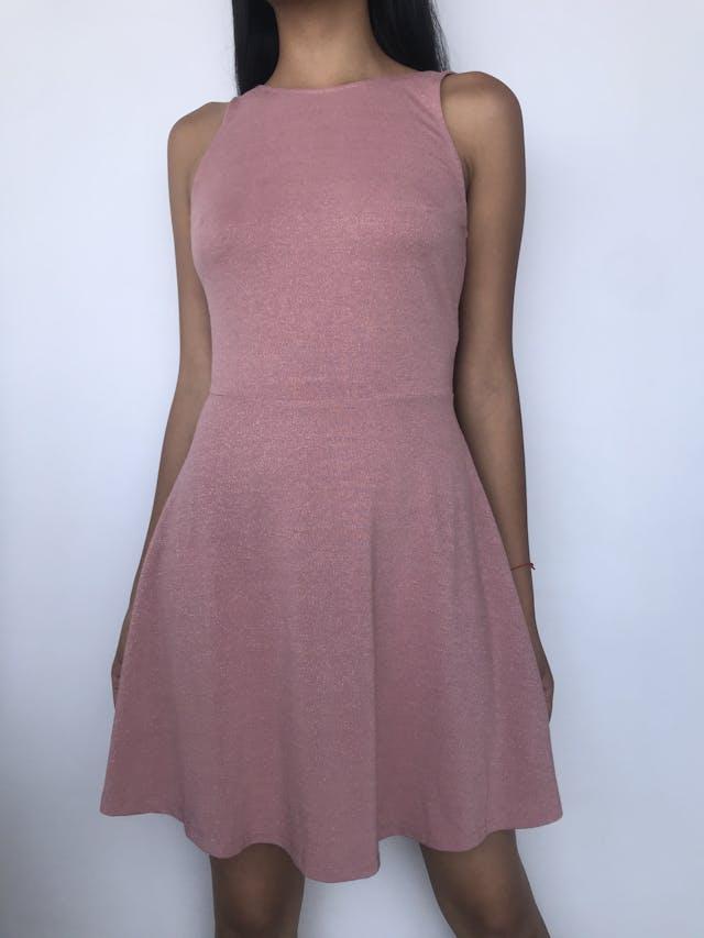 Vestido H&M palo rosa con brillo, corte a la cintura con falda con vuelo, escote en la espalda. Nuevo con etiqueta Talla S foto 1