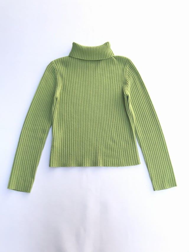 Chompa Sybilla verde, cuello tortuga y tejido acanalado Talla S foto 1