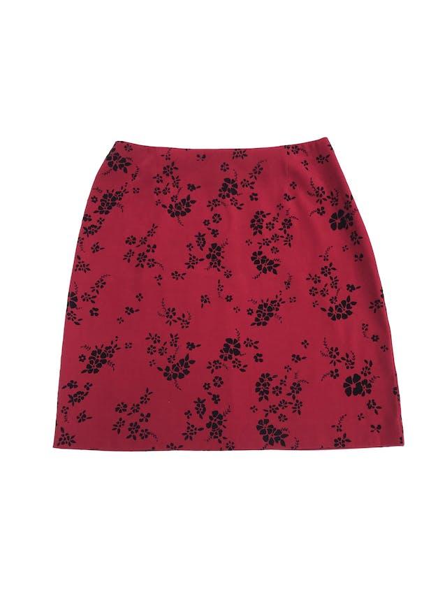Falda Corner Annex roja con estampado de plush negro, lleva cierre posterior. Largo 48cm Talla S (4) foto 1