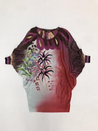 Chompita larga Etincelle Couture 50% algodón 50% tencel, estampado multicolor, manga murciélago 3/4, linda caída y tela rica al tacto. Puedes usarlo como vestido corto. Precio original S/260 Talla S foto 1
