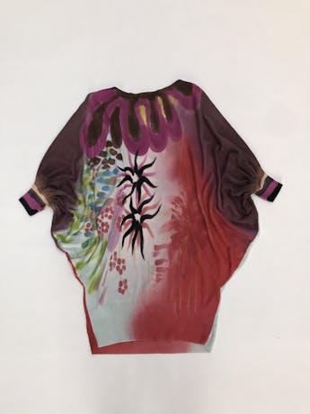 Chompita larga Etincelle Couture 50% algodón 50% tencel, estampado multicolor, manga murciélago 3/4, linda caída y tela rica al tacto. Puedes usarlo como vestido corto. Precio original S/260 Talla S foto 2