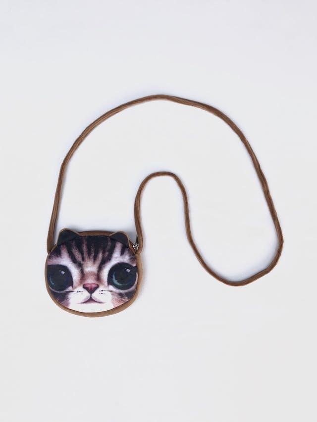 Carterita de plus marrón y etampado de gatito, forro interno, cierre y asa larga al hombro. Nueva. Diametro 14cm, ancho 2cm foto 1