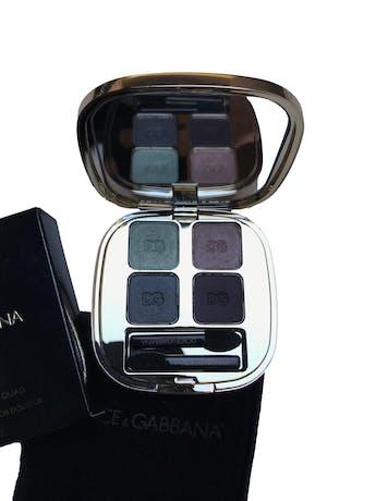Paleta de sombras Dolce&Gabanna. Smooth eye colour quad 155 - 4202. Nuevo, viene con funda y caja. Precio original S/ 199 foto 2
