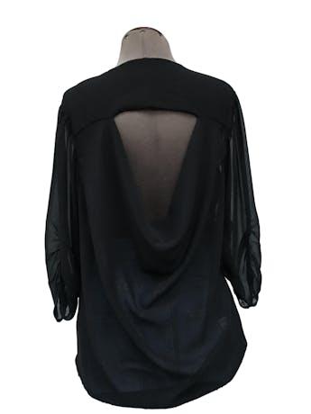 Blusa de gasa negra, doble capa de tela delantera, escote caído posterior, mangas 3/4 drapeadas Talla S foto 2