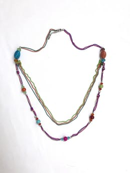 Maxi collar de cadenas y cuentas multicolores. Largo 95cm (+6cm regulables) foto 1