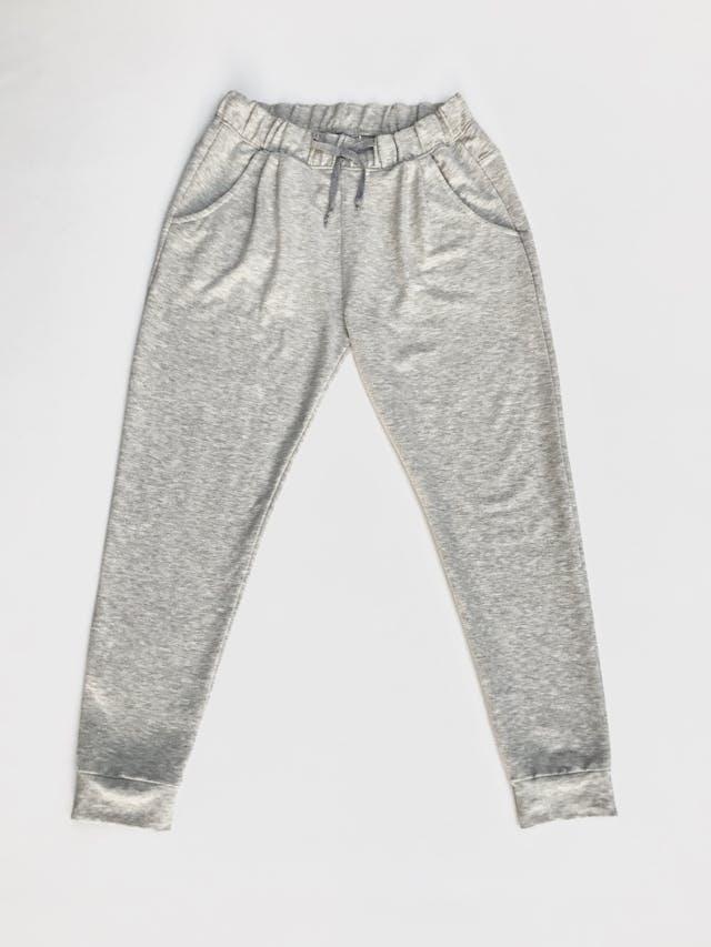 Jogger plomo jaspeado, tela tipo algodón stretch, con elástico y pasador en la cintura y bolsillos laterales Talla 30 foto 1