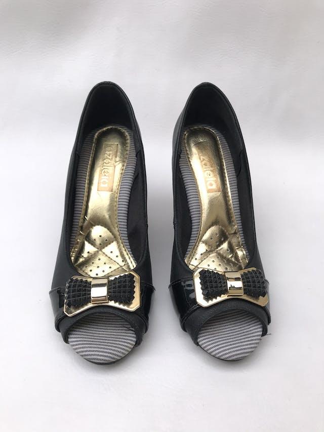 Zapatos peep toe taco cuña anima print, lazo delantero. Estado 8.5/10 foto 2