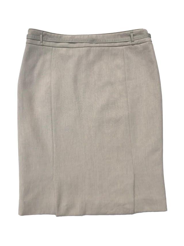 Falda formal Mango en tono crema, forrada, con cierre lateral y correita. Cintura 78cm Cadera 96cm Largo 55cm foto 2