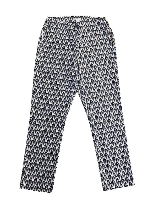 Pantalón H&M estampado barroco en tonos grises y cremas, ligeramente stretch con cierre lateral, corte pitillo  Talla 32 foto 1