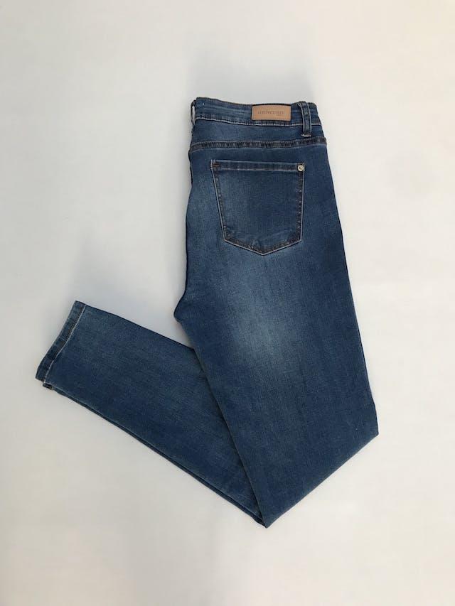 Pantalón University Club, skinny jean stretch, azul claro focalizado, 5 bolsillos Talla 34  foto 2