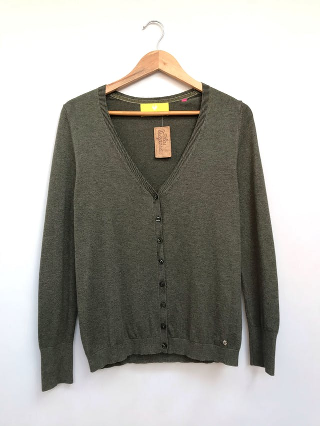 Cardigan marca alemana Lieblingsstuck verde jaspeado, 100% algodón rico al tacto, en V con botones delanteros y pretinas en puños y basta. Precio original S/ 290 Talla M foto 1