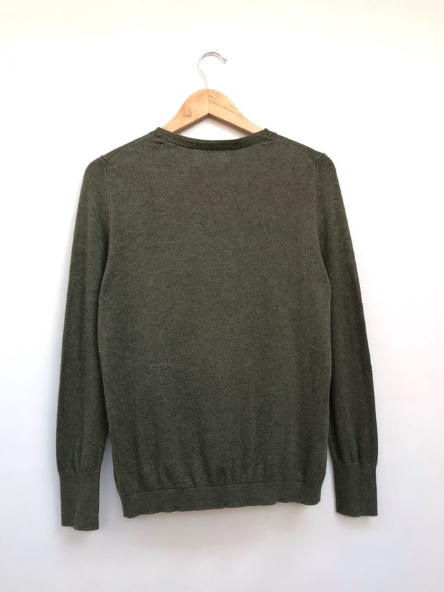 Cardigan marca alemana Lieblingsstuck verde jaspeado, 100% algodón rico al tacto, en V con botones delanteros y pretinas en puños y basta. Precio original S/ 290 Talla M foto 2