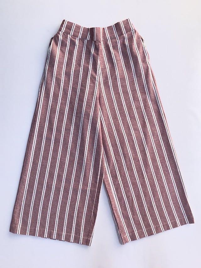 Pantalón Pull&bear, palazzo a la cintura, tela tipo lino a rayas rosa, crema y plomo, bolsillos laterales y elástico posterior. Nuevo con etiqueta Talla 28 (puede ser 30) foto 1