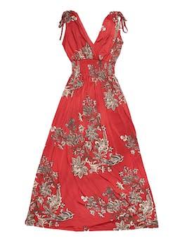 Vestido rojo con estampado paisley en tonos marrones, hombros recogidos, escote en V y panal de abeja en la cintura, tela stretch. Largo 110cm foto 1