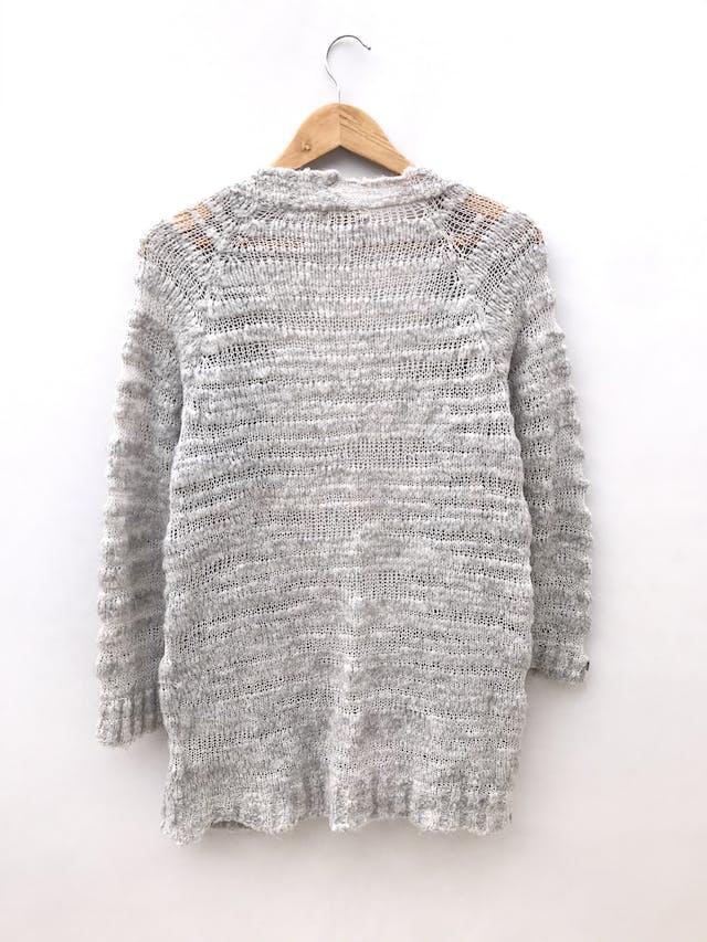 Cardigan Femme plomo, tejido tupido y calado, modelo abierto largo bajo la cadera foto 2