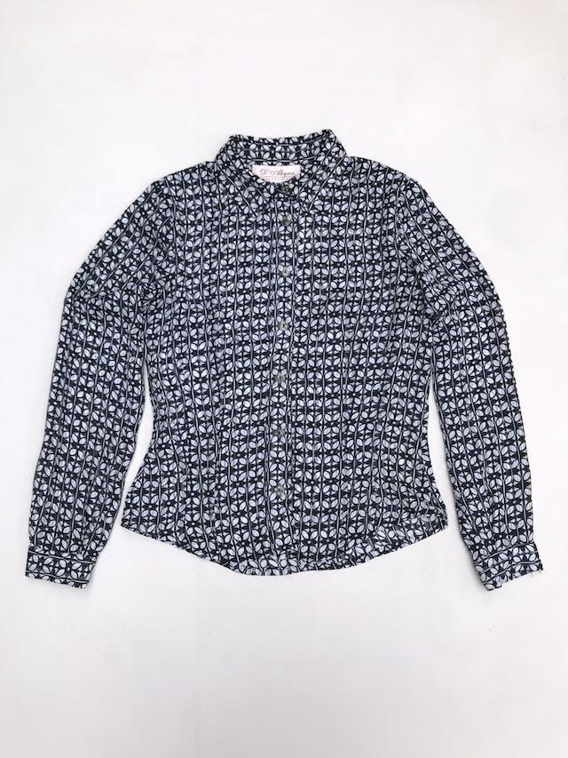 Blusa de gasa con estampado de hojas blancas y azules, camisera con botones, pinzas delanteras y traseras foto 1
