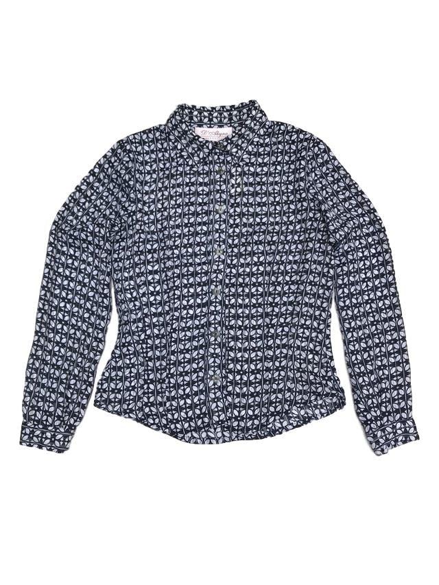 Blusa de gasa con estampado de hojas blancas y azules, camisera con botones, pinzas delanteras y traseras. ¡Linda! foto 1