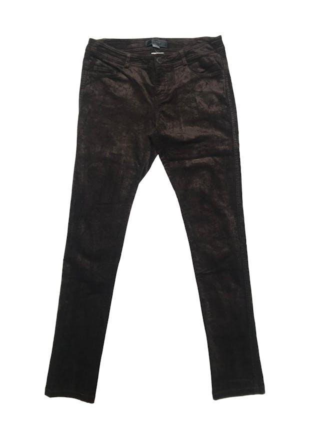 Pantalón Basement de corduroy marrón satinado, corte pitillo. Pretina 80cm foto 1