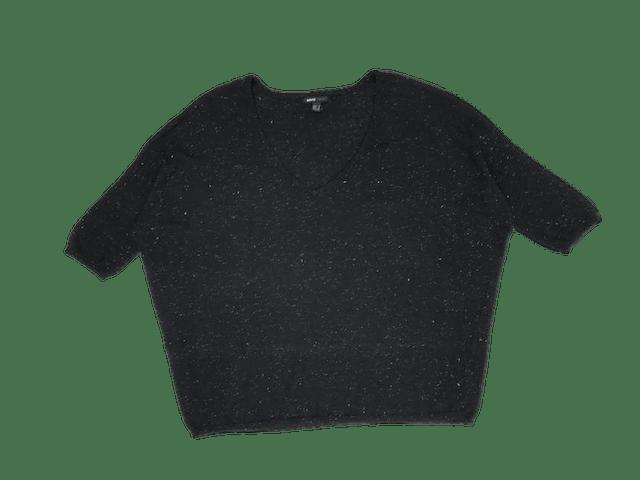 Chompita Mango negra con brillos plateados, cuello V, manga murciélago 3/4. Precio original S/ 150 foto 1