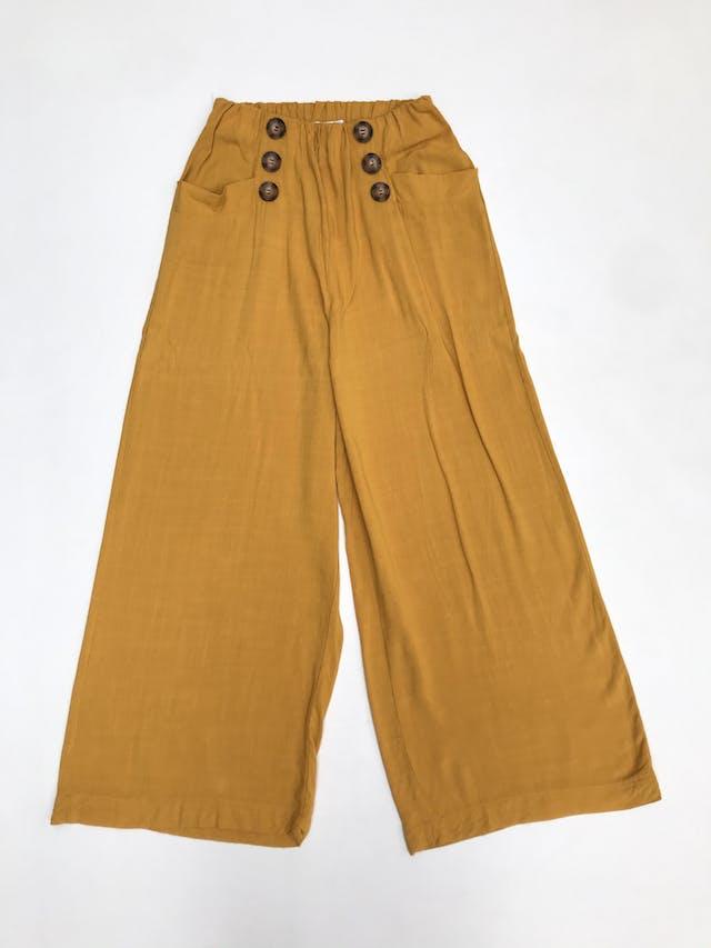 Pantalón mostaza tipo culotte a la cintura con doble fila de botones y bolsillos delanteros  foto 1