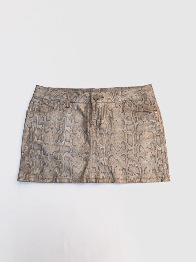 Falda mini 100% algodón con print reptil, textura tipo cuerina. Pretina 88cm Largo 35cm foto 1