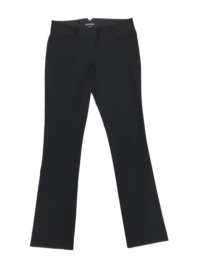 Pantalón de vestir negro Express, pierna recta, bolsillos laterales, ligeramente stretch muy sentador. Precio original S/ 220 foto 1