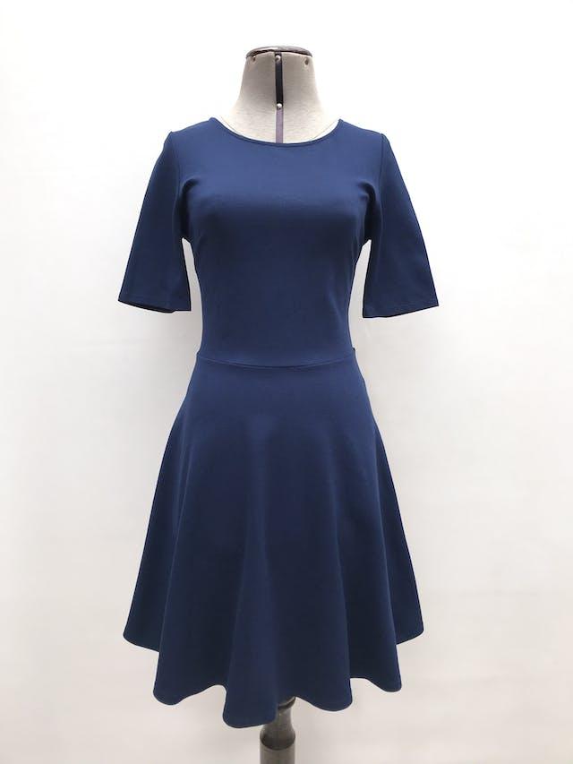 Vestido Forever21 azul tipo algodón grueso stretch, manga corta, falda con vuelo. Largo 88cm foto 1