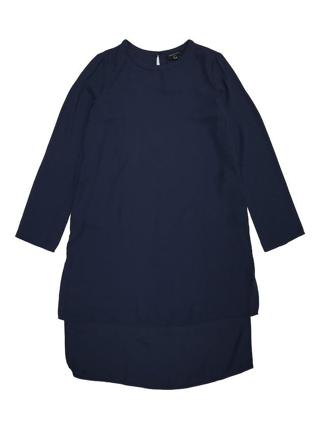 Blusa larga Cortefiel, de gasa azul con forro, basta asimétrica larga atrás. Largo 80cm adelante 98cm atrás. Nueva con etiqueta Precio original S/250 foto 1