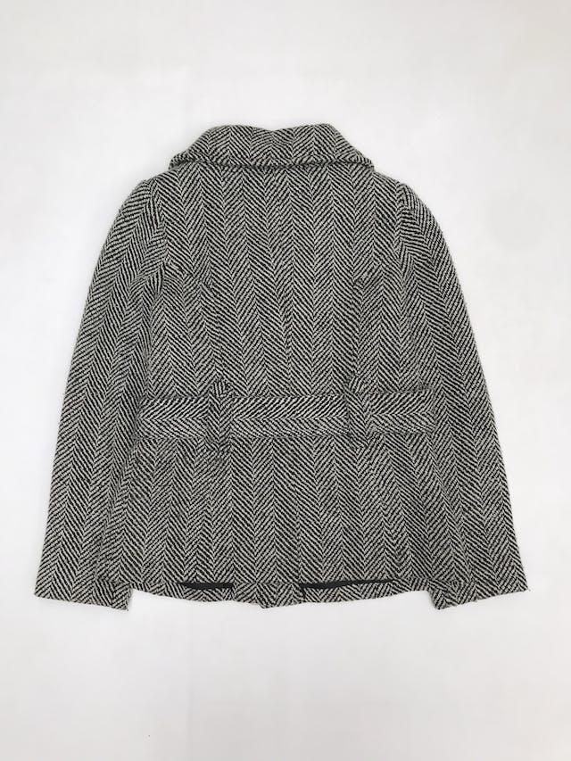Abrigo Navigata crema y negro 50% lana, forrado, con cinto, botones y bolsillos delanteros foto 2