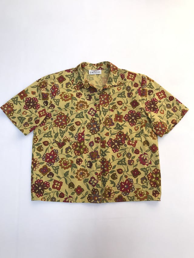Blusa Cortefiel vintage 100% algodón verde con estampado de flores, botones forrados y bolsillos delanteros. foto 1