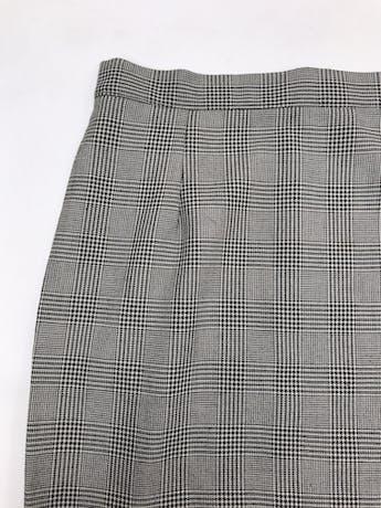 Falda vintage 3/4 príncipe de gales crema y negro, abertura lateral, cierre y botón posterior. ¡Muy cool! Cintura 72cm Largo 82cm foto 2