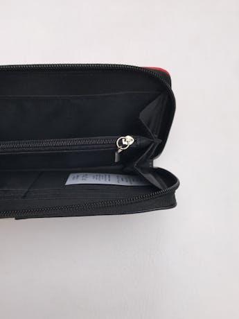Billetera rectangular con tres compartimentos y cierres. 20x11cm  foto 2