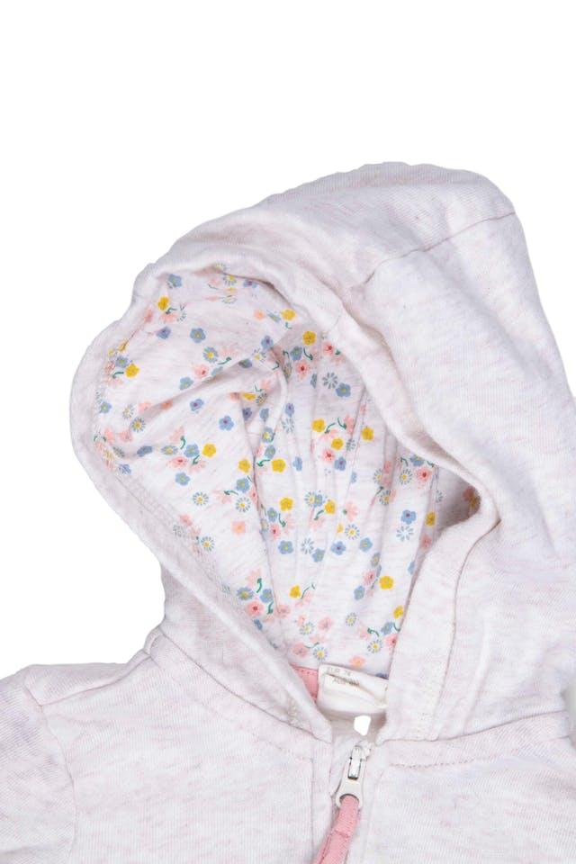 Casaca beige con bolsillos de gatito, 100% algodón organico. Tiene una manchita en el cierre - H & M foto 2