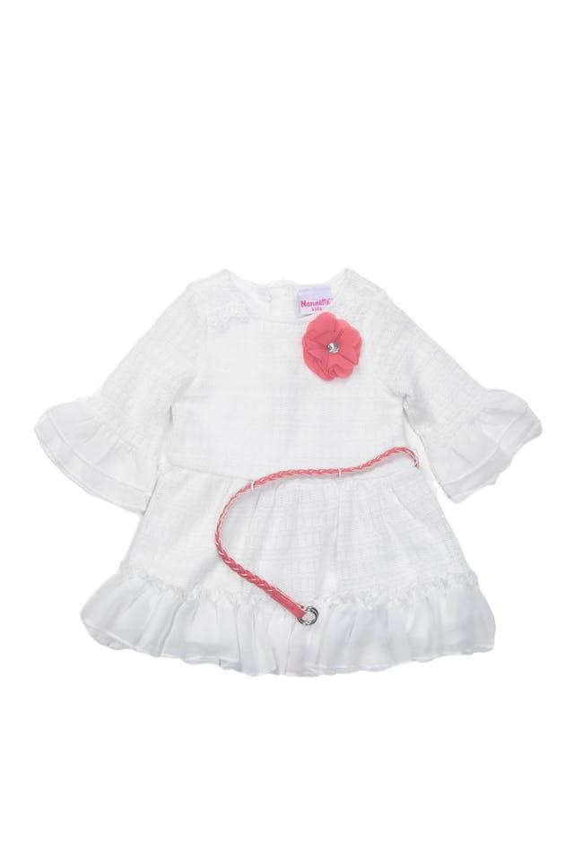 Vestido blanco tejido de hilo con correa trenzada simil cuero coral, forrado, volantes de gasa - Nannette Kids foto 1