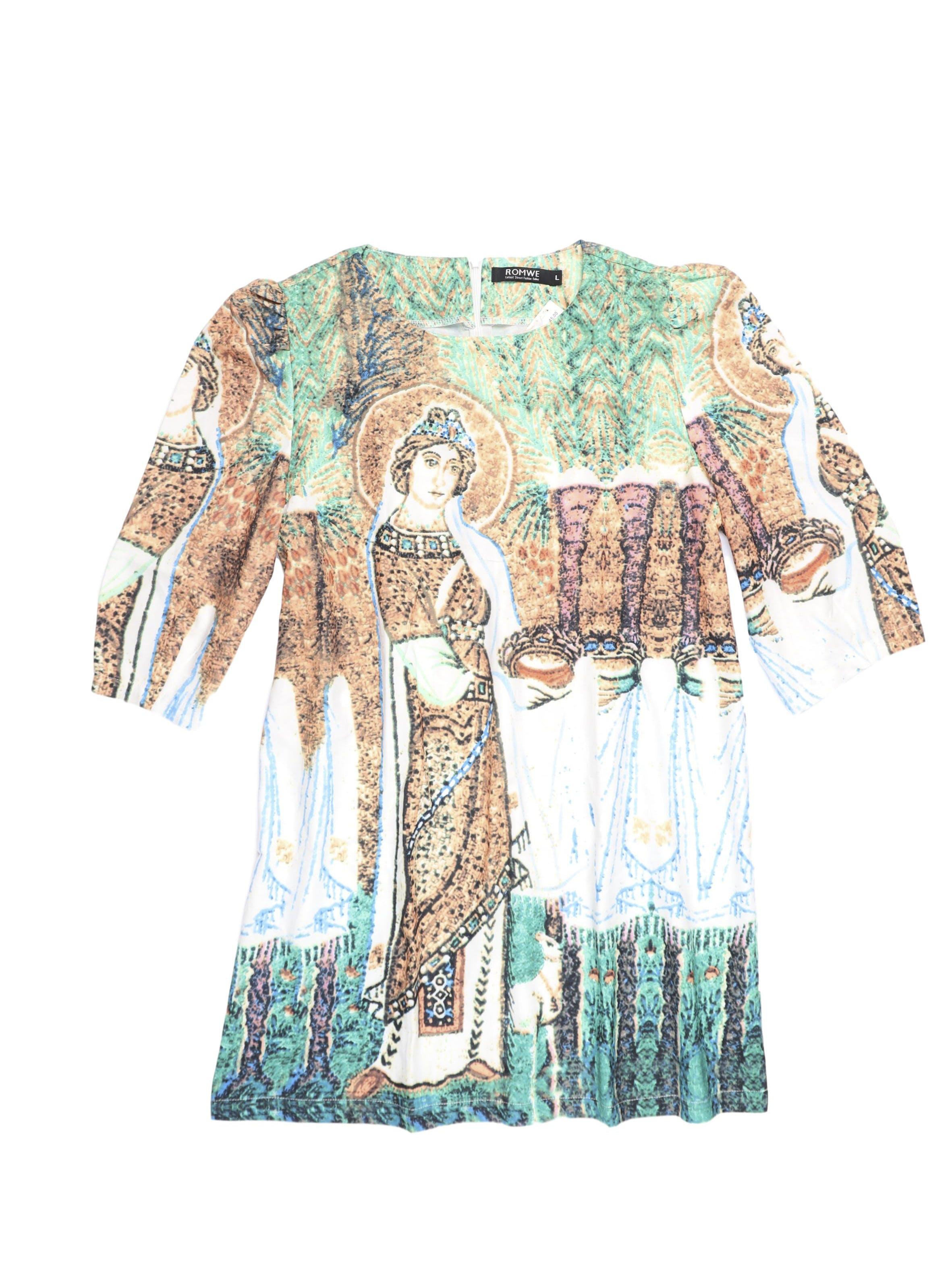 Vestido mini recto con estampado eclesiástico, manga 3/4 con pliegues en los hombros y cierre posterior. Busto 106cm