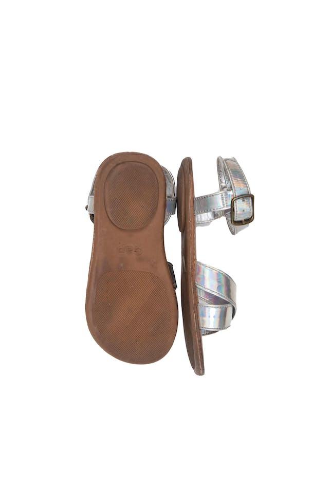 Sandalias plateadas, talla 9 americana - Gap foto 2