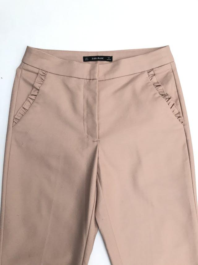 Pantalón Zara palo rosa 98% algodón, bolsillos con bobitos. Cintura 73cm foto 2