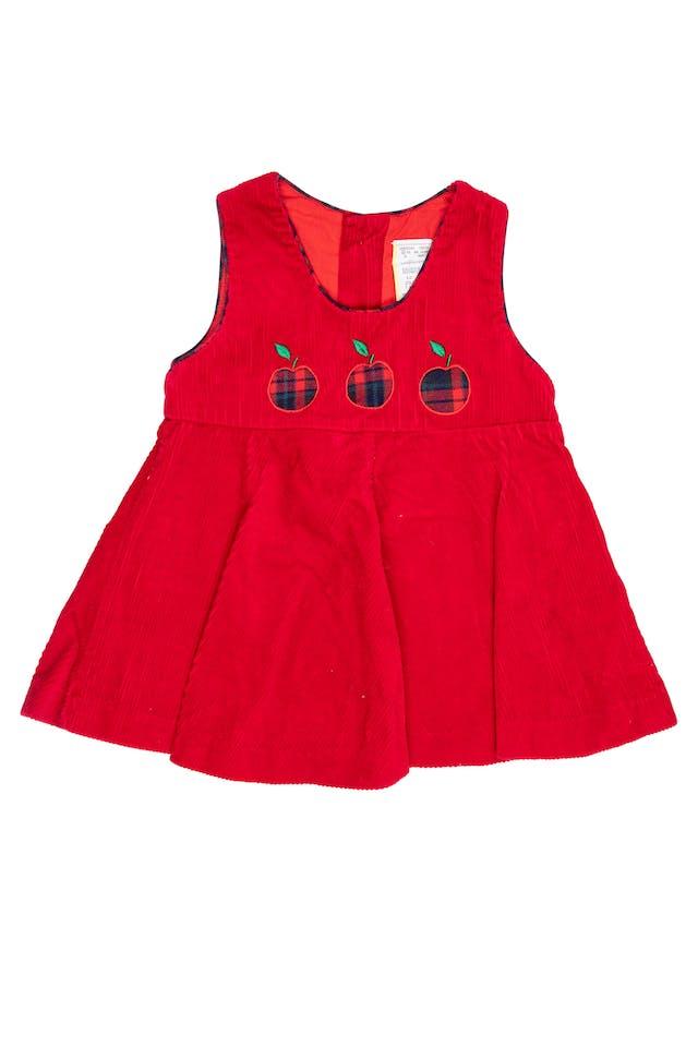 Vestido de corduroy rojo con ribetes y aplicaciones de manzanitas. 100% algodón foto 1