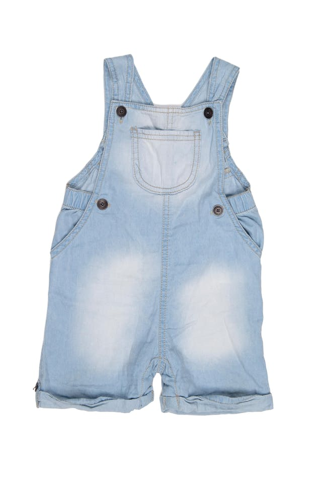 overall short de jean delgado. Tiras ajustables. 100% algodón. - Cherokee foto 1