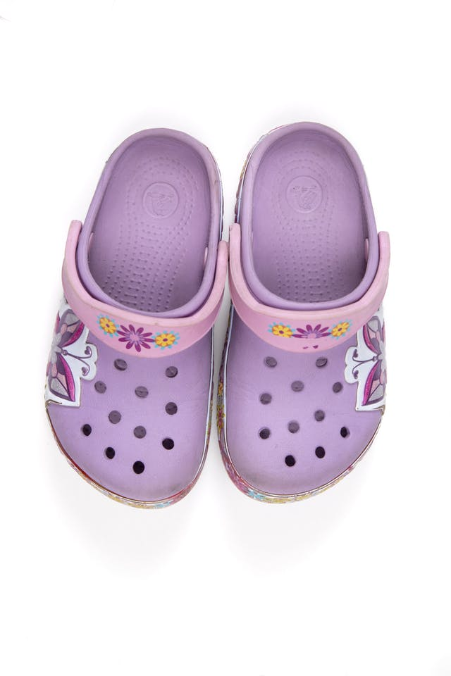 Crocs lilas con flores. Talla 10 - 11 americana - Crocs foto 1
